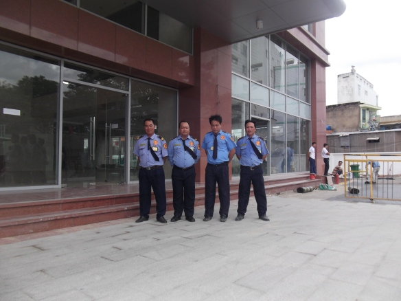 Bảo vệ cơ quan tòa nhà gồm những công việc gì