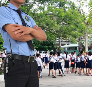 Bảo vệ trường trung học phổ thông Lê Quý Đôn